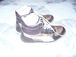 A nice pair of Puma high top athletic shoes-size 10