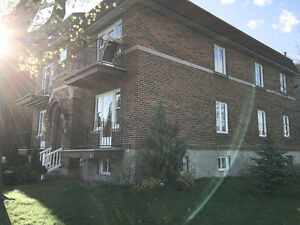 GREAT DEAL on 4 1/2 in Lachine