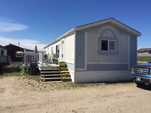 3 bdm home in excellent condition, just east of Crystal Landing