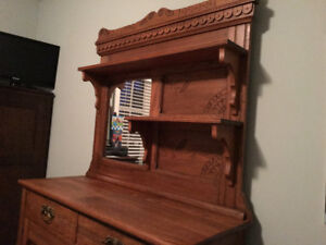 Antique Hutch   -  East Lake American Style,,