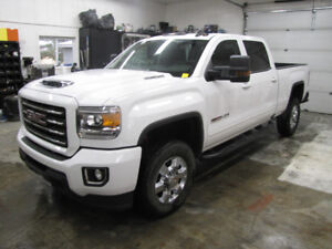 2018 All Terrain HD 2500 4x4 Crew cab only 1700 km loaded.