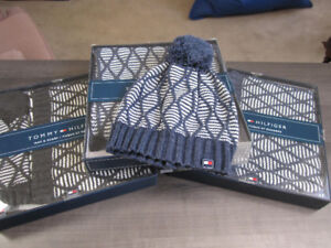Tommy Hilfiger Hat (toque) & Scarf, Br. New in Box