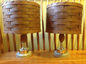 PAIR OF LAMPS WITH WOVEN WOOD SHADES