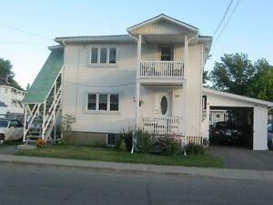 duplex rien a fare dessus West Island Greater Montréal image 2
