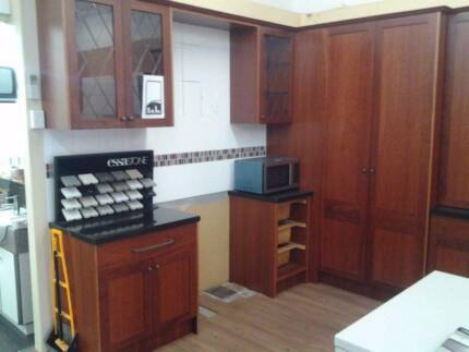 SOLID JARRAH TIMBER KITCHEN FOR SALE (EX DISPLAY) P/U RAVENHALL Essendon Moonee Valley Preview