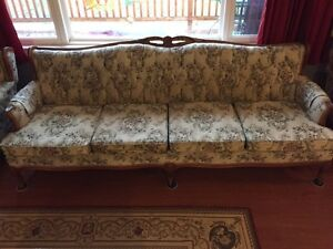Couch and 2 matching armchairs