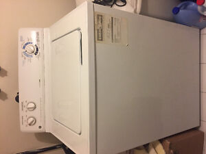 General Electric washer and dryer laveuse et secheuse GE