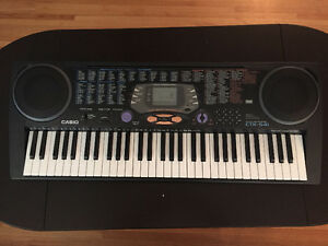 Casio CTK-541 keyboard with 100 song bank touch response