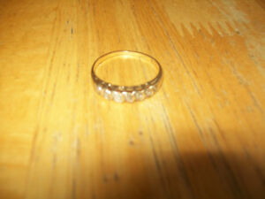 10kt gold zirconia ring