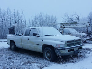 2002 Dodge 3/4 5spd 2WD Pickup Truck