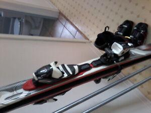 Planche et bâton de ski...