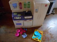 step2 playkitchen