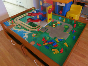 FS: Kidkraft play table w Parking Garage + Elevator for Cars