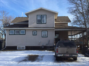 1 1/2 storey Home with Welcoming Wrap-Around Deck Strathcona County Edmonton Area image 2