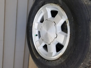 2005 GMC tire and rims