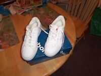 Reebook Sneakers - Size 9 - Never Worn