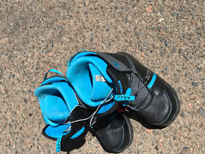 Good condition snow board boots