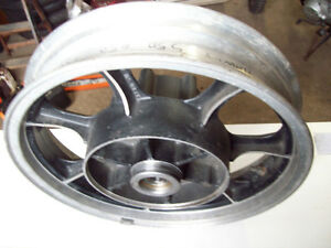1982 Kawasaki 750 LTD rear wheel hub rim 16 X 3.00 Windsor Region Ontario image 1