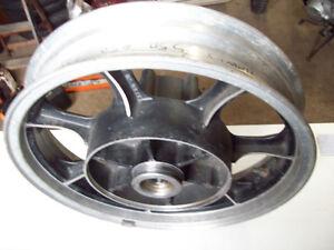 1982 Kawasaki 750 LTD rear wheel hub rim 16 X 3.00