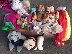 Stuffed animals and dolls London Ontario image 2