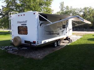 Flagstaff Super Lite 26ft. BHS Bunk House with slide