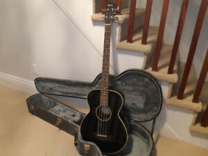 Squire acoustic bass w/ plug-in & hard case