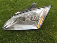 Ford Focus 2007 passenger side headlight
