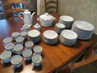 Porcellan Dish Set for sale