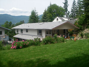Large upper level home Salmon Arm