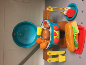 Barbecue Set (Toy BBQ, Food & Utensils)