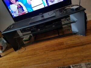 TV STAND / TV TABLE FOR SALE!