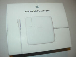 Genuine Apple 85W Magsafe Power Adapter for 15- and 17-inch MacB
