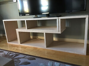 Solid oak tv stand/shelving