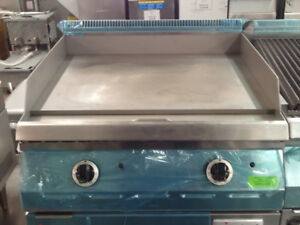 COMMERCIAL GRIDDLES / CHARBROILERS / RESTAURANT EQUIPMENT