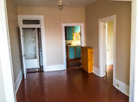 2 Bedroom Street Front Apartment - Smith Falls