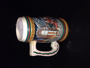 1997 BUDWEISER Holiday Stein in mint condition