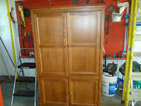 Armoire- seulement 75$