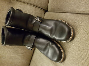 "Womens Roots ""motorcycle boots""- size 10"
