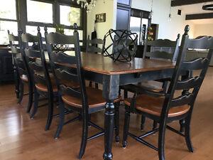 Superbe table de salle à manger Philippe Dagenais!