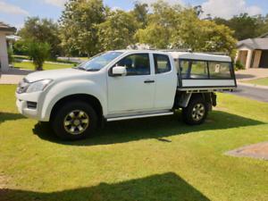 Isuzu DMAX 2015 low 23k kms turbo diesel intercooler auto 4 seat