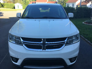 Dodge Journey SXT 2011 V6 3.6L 60360km 9000$ Ferme