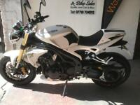 Triumph Speed Triple 1050 2007 white