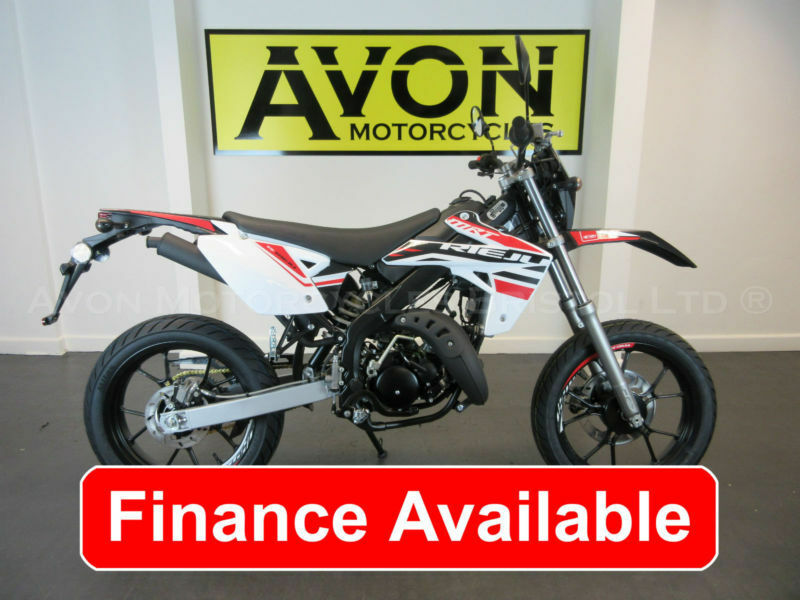 50cc supermoto with yamaha menarelli am6 motor rieju mrt supermotard in bristol gumtree. Black Bedroom Furniture Sets. Home Design Ideas