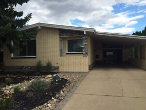 $1600 Bungalow available Sept 15 or Oct 1