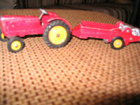 VINTAGE DINKY TOYS MASSEY HARRIS FARM TRACTOR/MANURE SPREAD Laval / North Shore Greater Montréal Preview