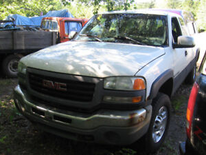 2003 GMC Sierra 2500 hd Pickup Truck. 6.0 litre 5 spd manual
