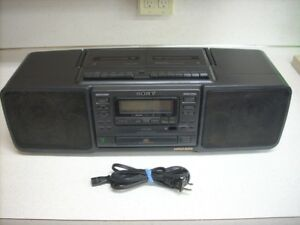 Boom Box Sony CFD 265 Mega Bass Cassette Player / CD / Radio