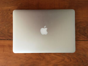 "Macbook Pro 13"" 2015 256, garantie Care 7 mois : avril 2019"