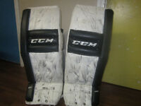 GOALIE PADS,BLOCKER AND CATCHER