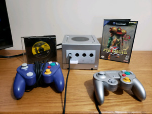 Gamecube w/2games/2controllers